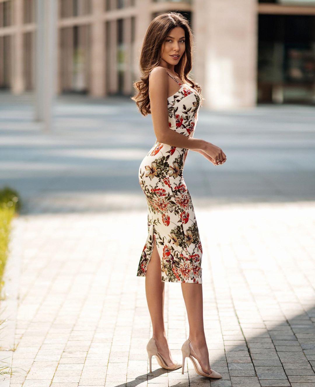 Katerina-Sozinova-Wallpapers-Insta-Fit-Bio-4