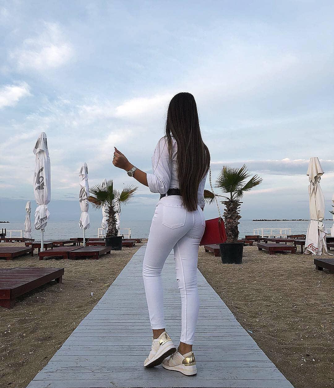 Ivana-Savija-Wallpapers-Insta-Fit-Bio-8