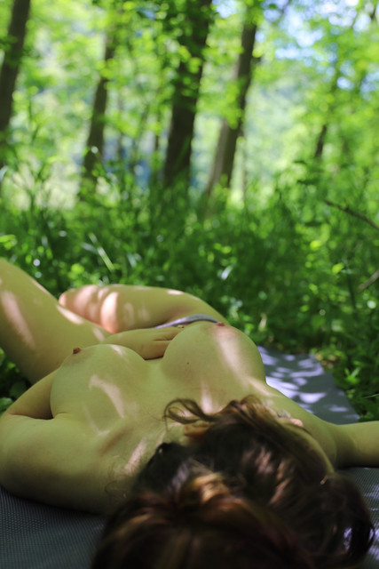 abbyopel-03-06-2021-2126680325-Come-join-me-for-some-yoga-in-the-forest-and-watch-me-stretch-out-the