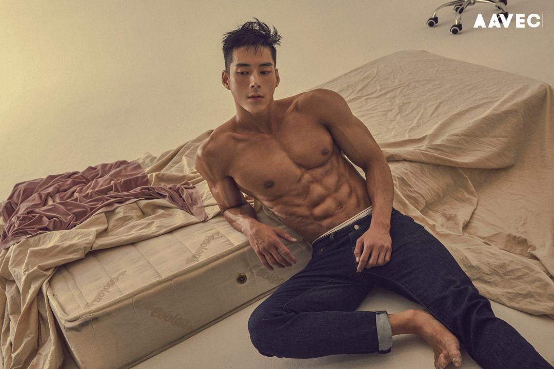 Kang Doo Hyung, Nam Vương Hàn 2018, gân cuồn cuộn!