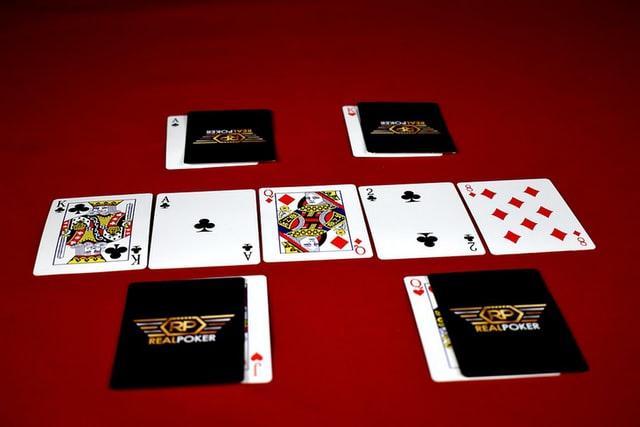 https://i.ibb.co/Lx4YV6j/online-poker-gambling.jpg