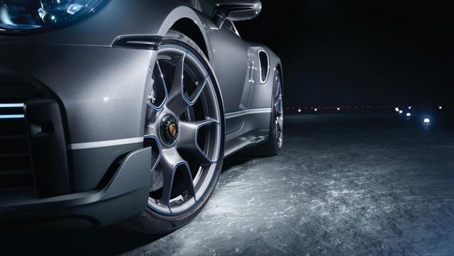 Haute performance sur terre et dans les airs: Porsche coopère avec Embraer EX22-V55-ID0005