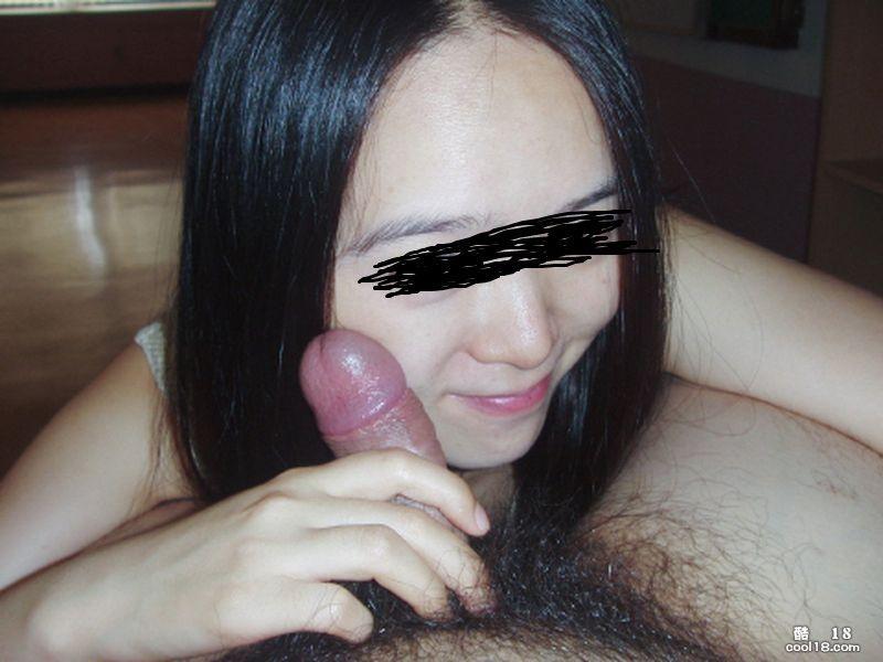 為討好男友答應拍濕蜜照的小女孩