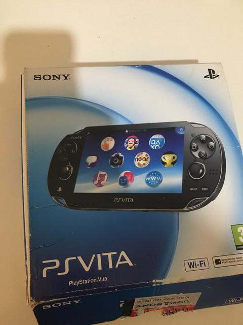 [Vendu] PS Vita Wifi enso sd2vita 128Go en boîte 80€ 6-FB9372-C-8-C35-474-A-87-BF-65-A338-E5-F54-E