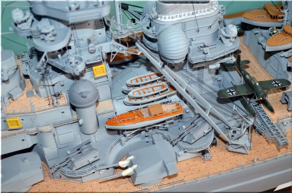 Bismarck au 1/200eme - Maquette Hachette/Amati Bismarck-10
