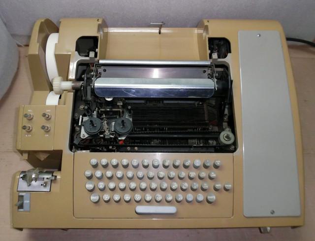 teletype-asr-33-2