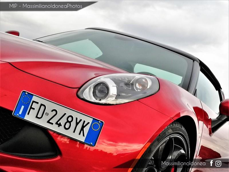 Avvistamenti auto rare non ancora d'epoca - Pagina 19 Alfa-Romeo-4-C-TBi-1750-241cv-16-FD248-YK-6