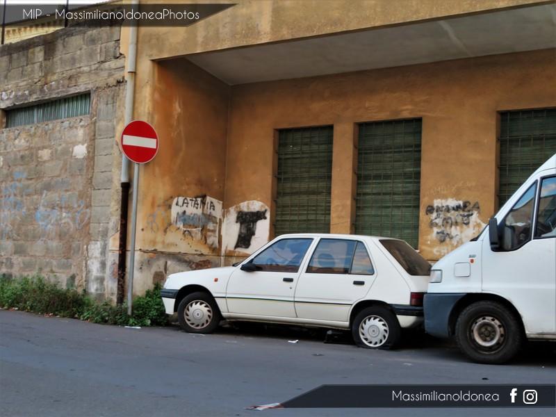 Auto Abbandonate - Pagina 9 Peugeot-205-2