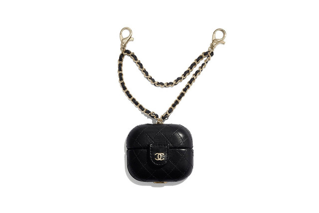 street-co-kr-2020-08-chanel-unveils-airpods-cases-1-1280x853
