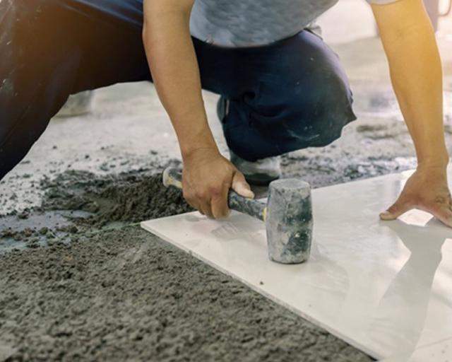Tips Memasang Ubin Batu