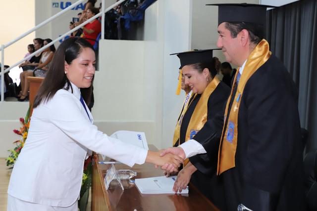 Graduacio-n-Medicina-125