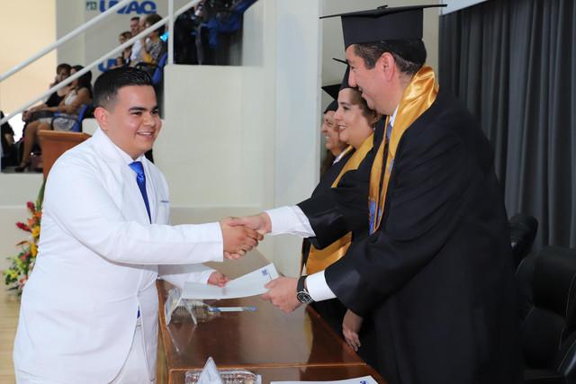Graduacio-n-Medicina-145