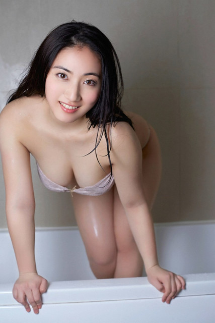 Saaya 紗綾