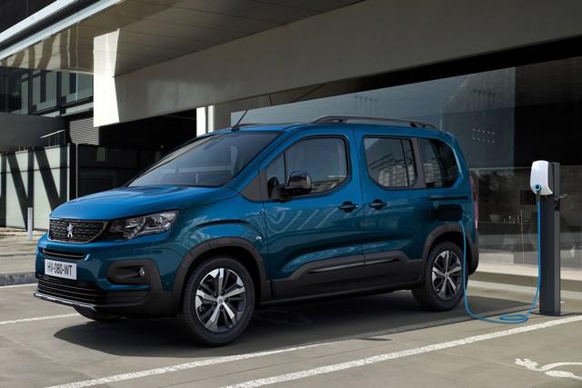 2018 - [Peugeot/Citroën/Opel] Rifter/Berlingo/Combo [K9] - Page 10 7-E0-F9-D68-050-B-4943-B174-D48723795-DA2