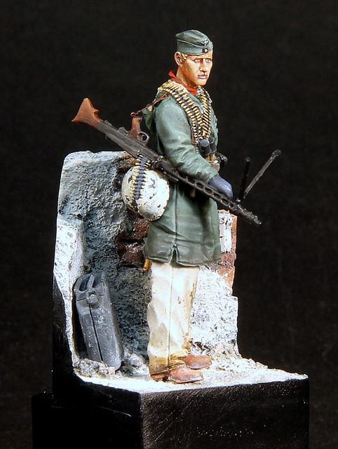 Le soldat oublié. (Fig Panzer Art 1/35) TERMINE IMG-3403