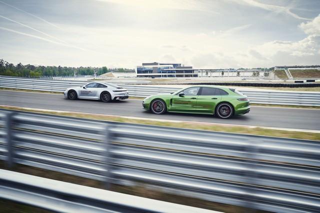 Premier anniversaire du Porsche Experience Center PEC) Hockenheimring S20-4564-fine