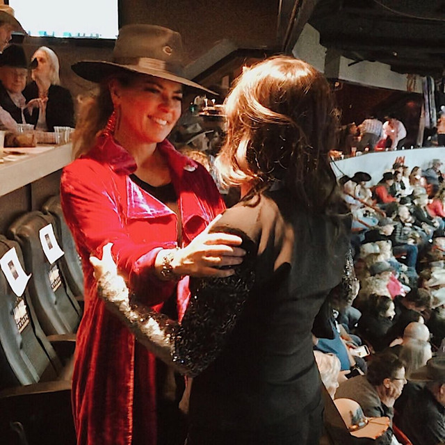 shania-vegas-nationalfinalsrodeo120919-allieburgett2