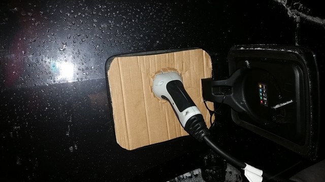 bmw-i3-charge-port-cover-5