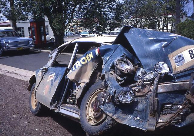 London-Sydney-Marathon-Rally-1968-Bianchi-Ogier-crash-1
