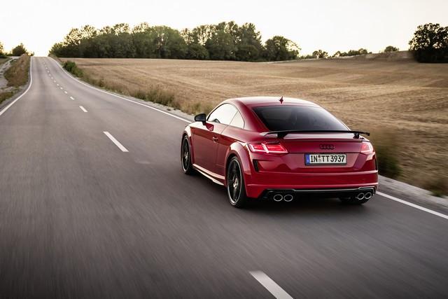Accent sportif : l'Audi TTS competition plus A208498-medium