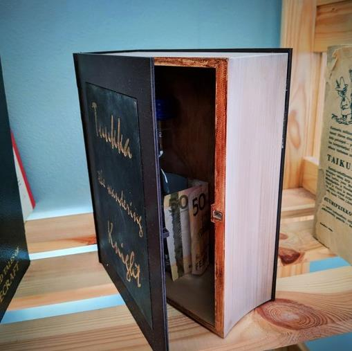 Book Hide (Large) - Cool Things to 3D Print
