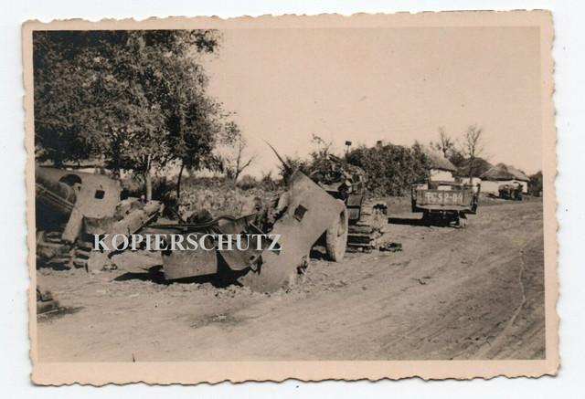 Russland-Schlachtfeld-zerst-SDkfz-Panzer-tank-Sturmgesch-tz-LKW-Kennung