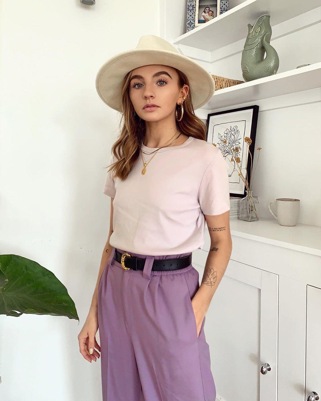 Chloe-Hayward-Wallpapers-Insta-Fit-Bio-3