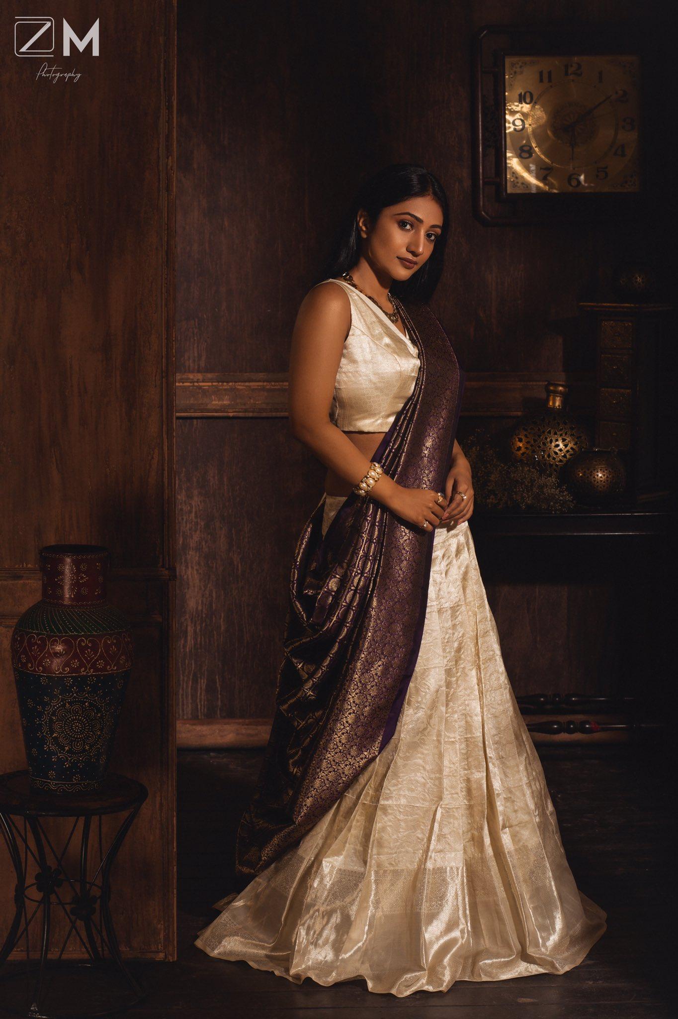 Actress Bommu Lakshmi Latest Pics , 90 ML movie Actress Actress Bommu Lakshmi Latest hot