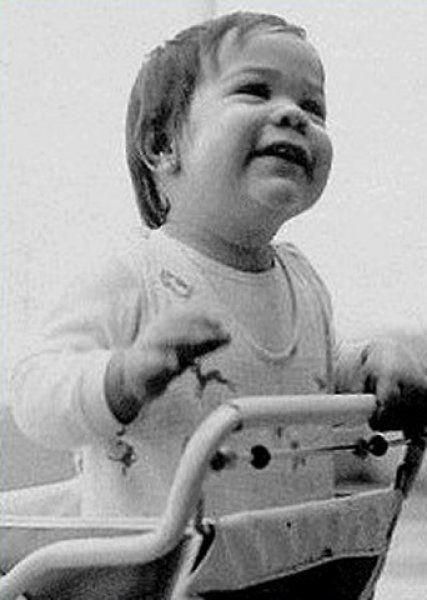Keanu Reeves kecil