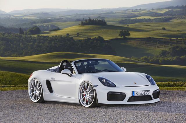 Dr-Knauf-Slammed-Altered-White-Porsche-981-Spyder-2021