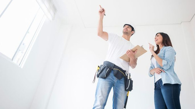 Benefits of using building contractor services and the risks