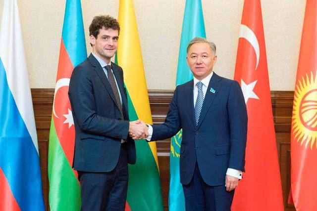 RZ-su-Kazachstano-medzliso-pirmininku