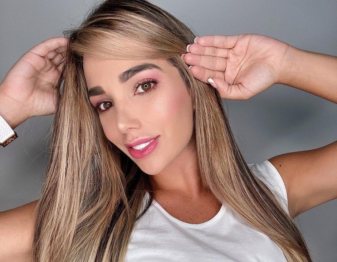 Daniela-Gutierrez-Wallpapers-Insta-Fit-Bio-9
