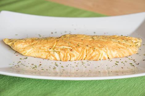Omelete-de-Queijo-com-Alho-e-Oregaos-SI-1