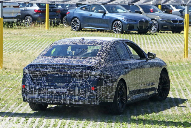 2023 - [BMW] Série 5 / M5 [G60 / G61] - Page 2 79-C33614-B755-441-B-B8-B5-4-FA2710697-A1