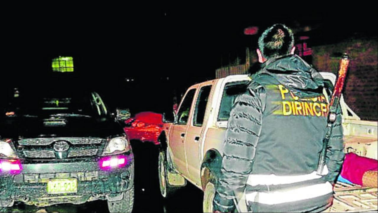 Mujer muere luego de ser atropellada por vehículo cuyo conductor escapó