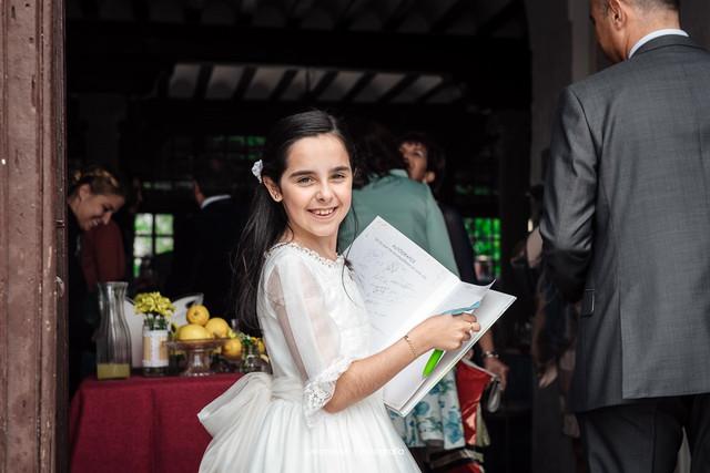 vestidos-de-comunion-muy-especiales-a-medida-en-madrid