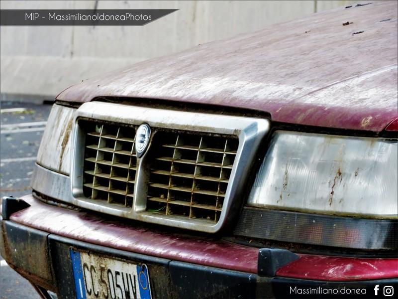 Auto Abbandonate - Pagina 10 Lancia-Thema-8-32-2-9-205cv-90-CC505-WV-4