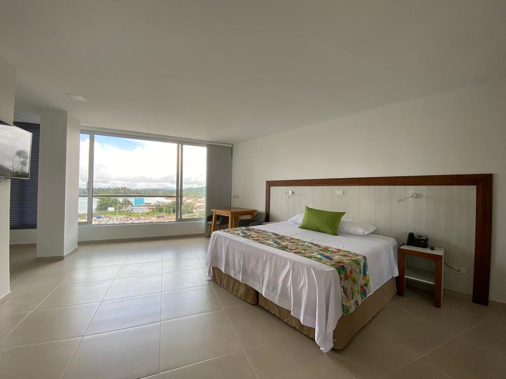 Hotel-santorini-guatape-habitacion