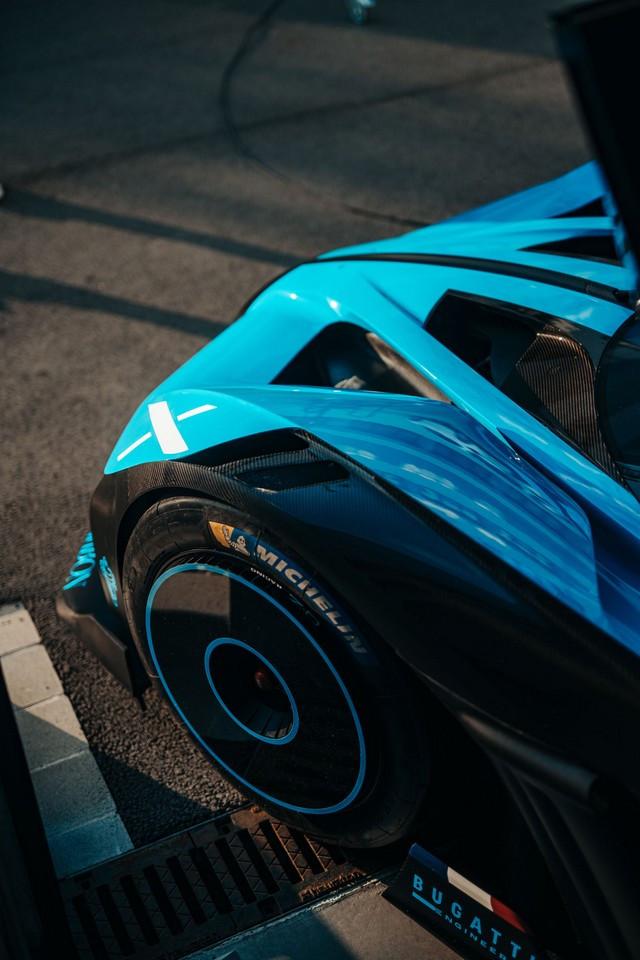 Édition de photos de Bugatti – Le Bolide de Bugatti est bien vrai Bugatti-day-snap-4
