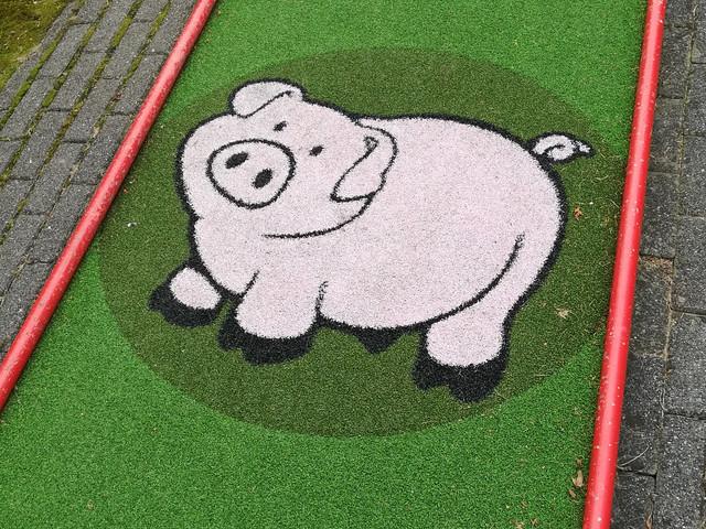 piglet-golf2.jpg