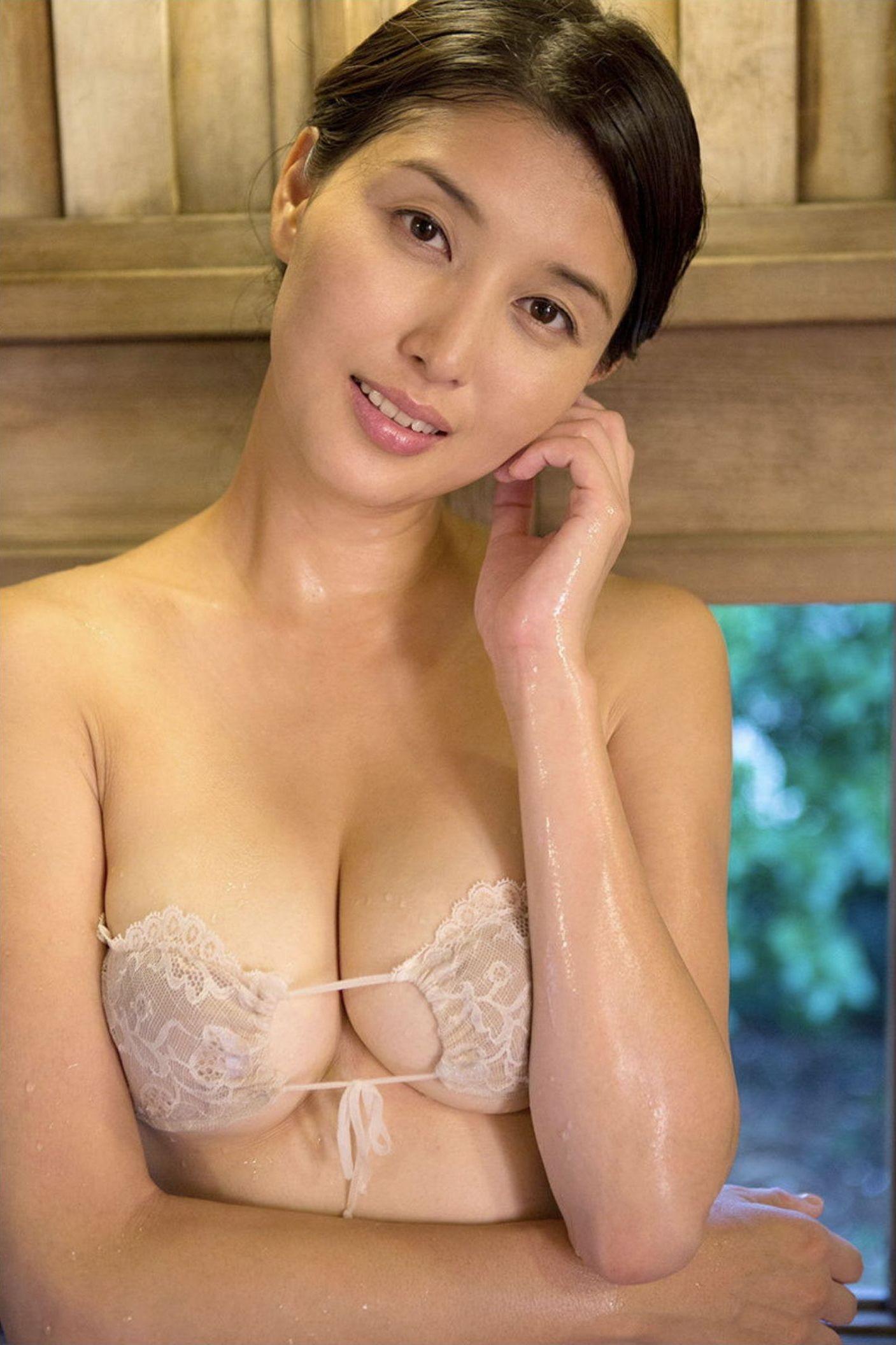 『愛の記憶』橋本マナミ デジタル写真集 045