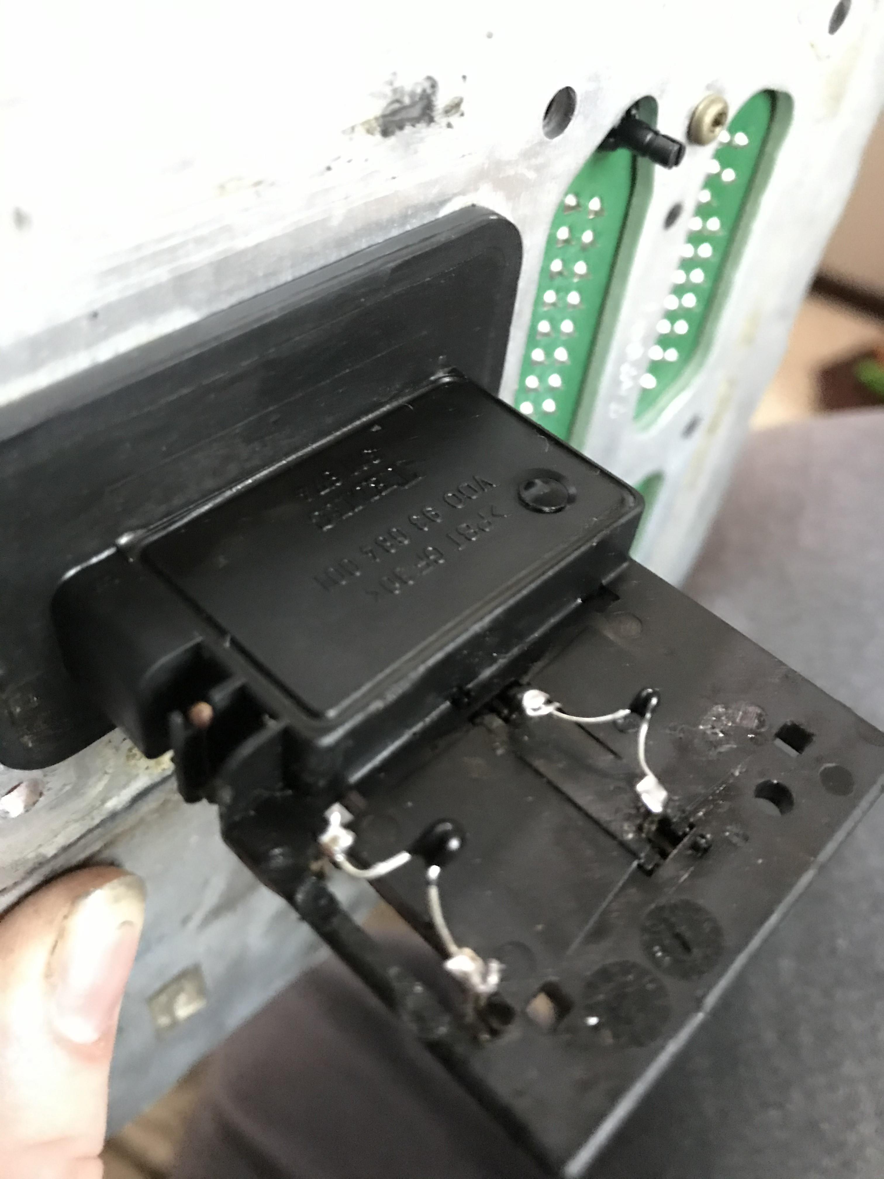 (DIY - W168): Reparo paliativo sensor MAF com resistores - Página 3 IMG-0090