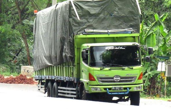 Jasa Sewa Truck Tronton Jakarta