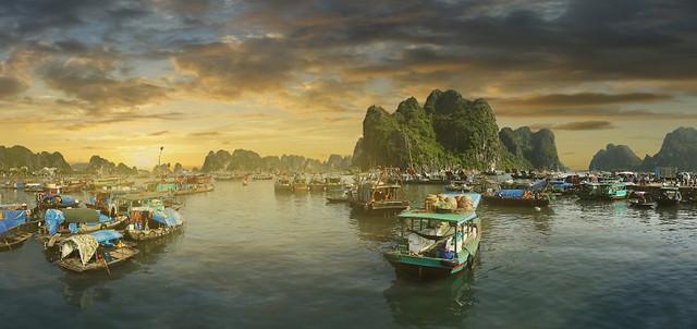 Vietnam-Ha-Long-Bay-Main-2