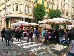 Roma akan Menindak Turis yang Berperilaku Tidak Sopan