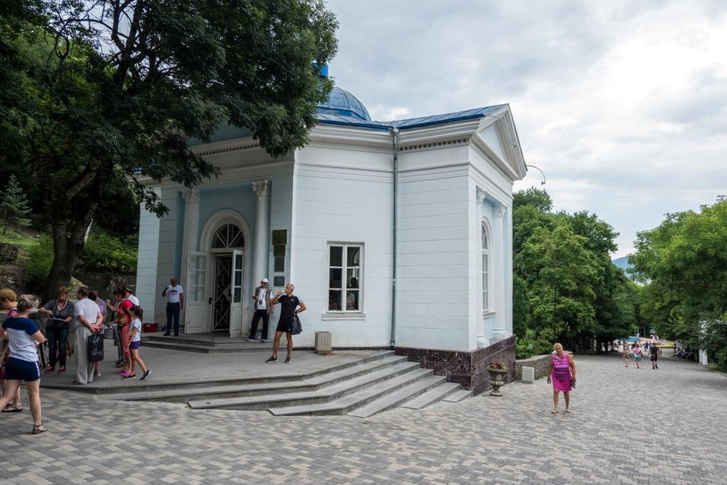 Железноводск, источник, минеральная вода Железноводск, лечебный парк, Славяновский бювет, гора Железная,