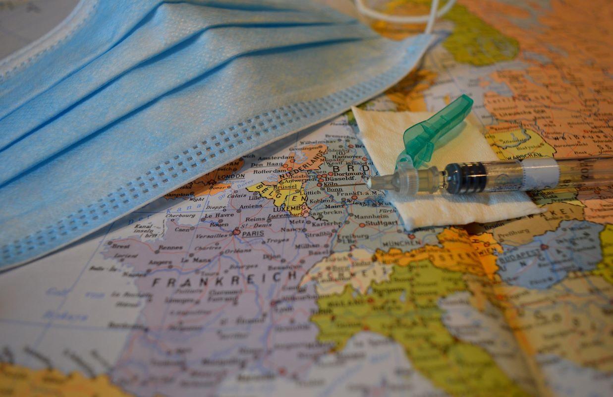 SVE DIKTIRA EPIDEMIOLOŠKA SITUACIJA: U nekim evropskim zemljama restrikcije, u nekim otvaranje!