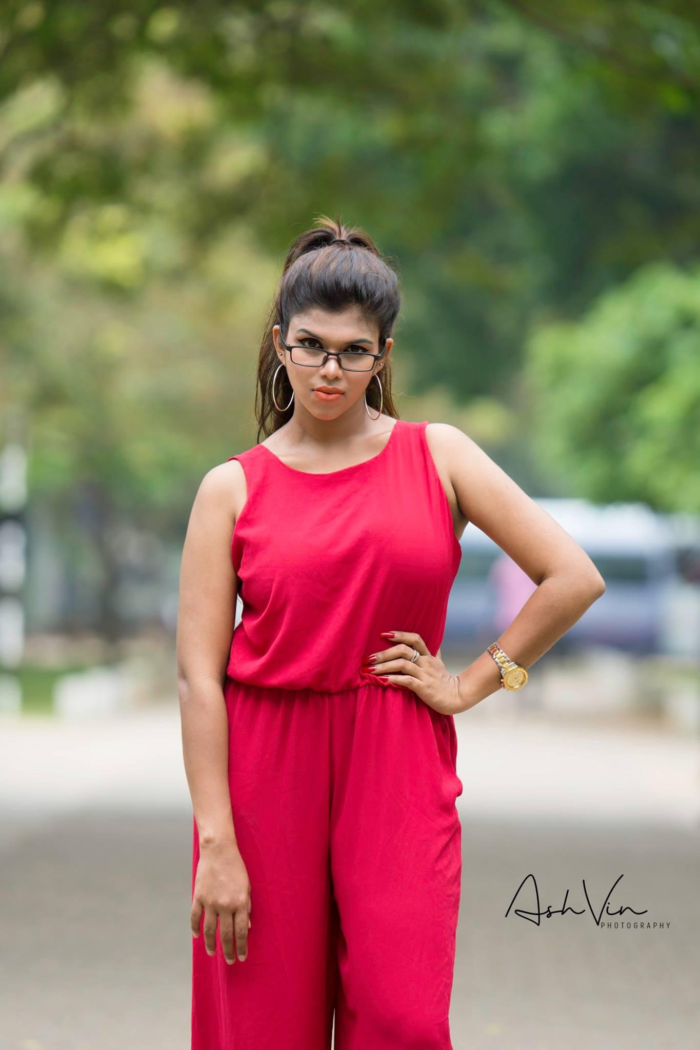 lanka-web-gossip-Heshani-Liyadipita-1