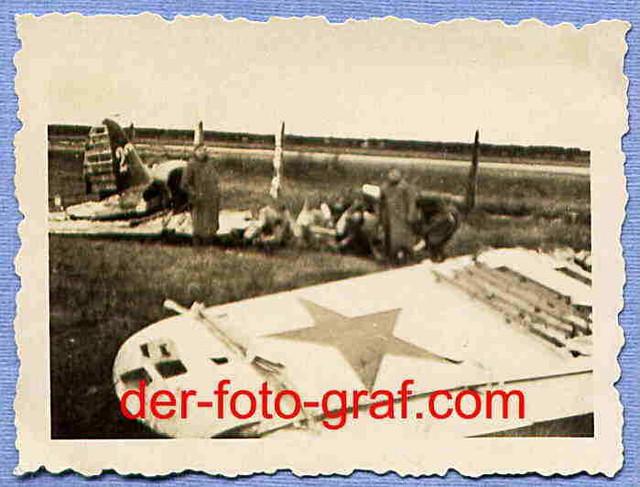 Foto-Flugzeug-abgeschossen-Ru-land-um-1941